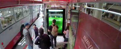 juega-al-futbol-mientras-esperas-al-bus